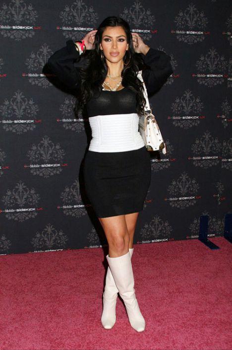 Kim Kardashian sahnede - 42
